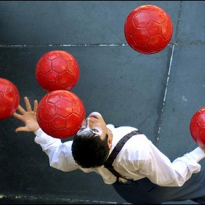 football juggler